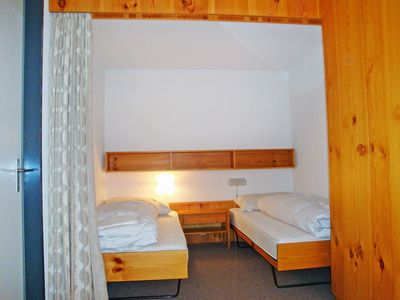 Photo for Beautiful apartment for 4 guests with WIFI, pool, TV, balcony and parking