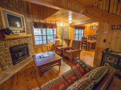 Photo for Pet & Family-Friendly Cabin w/ WiFi, Fireplace, Resort Pool, Grill & Fitness Gym
