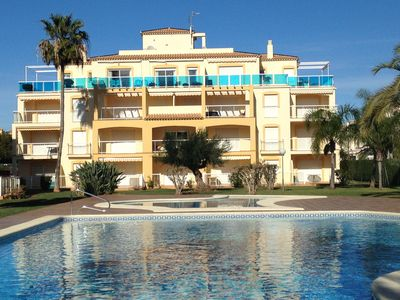 Photo for Apartment with pool and Garden 200m from the beach, Air-conditioned.