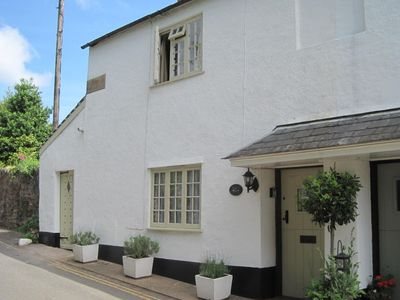 Photo for Ruffles Cottage - sleeps 4 - cosy cottage in Medieval Dunster