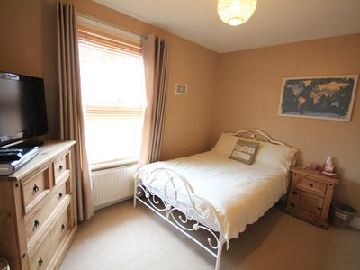 Photo for Cosy 2 bedroom house in Caversham