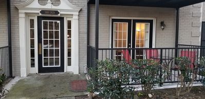 Photo for 2 Bed 2 Ba condo >1 mile to Braves Stadium n near Mercedes Benz Stad. Gated Com.