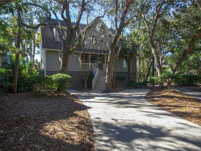 Photo for Beautiful Lagoon & Golf Course Views- 5 Minute Walk To Beach With Access to Community Pool!