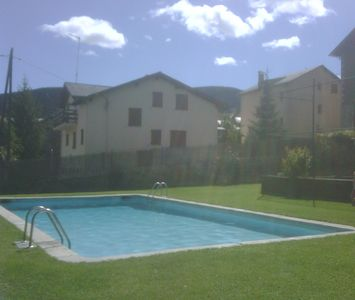 Photo for Alp, La Cerdanya, Apartment with pool - HUTG: 019,796