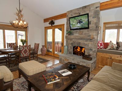 Photo for Contemporary Western condo tucked into the relaxed Aspens