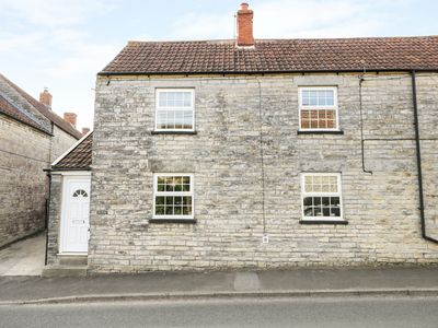 Photo for GLEN COTTAGE, country holiday cottage in Somerton, Ref 981941
