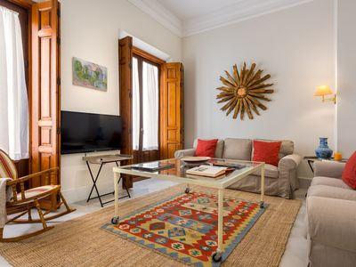 Photo for Luxury in Seville, 3 BD and  200 metres square Apartment. Padre Marchena II
