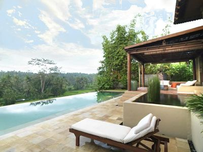 Photo for Villa Gajah Ubud -Superb private villa in the middle of the rice fields - 4 bedrooms