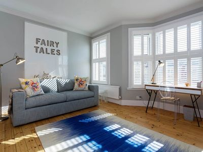 Photo for Bright and Modern Family Home in Wonderful Clapham (Veeve)