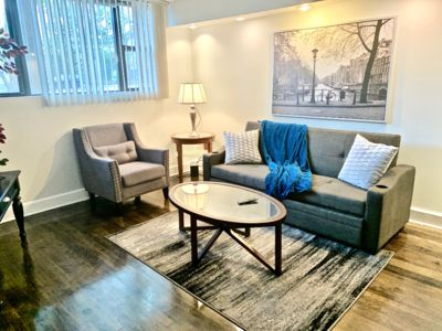 Photo for STYLISH, MODERN 3/1 APT .3 MILES FROM LINCOLN SQ! -GOATHOTE