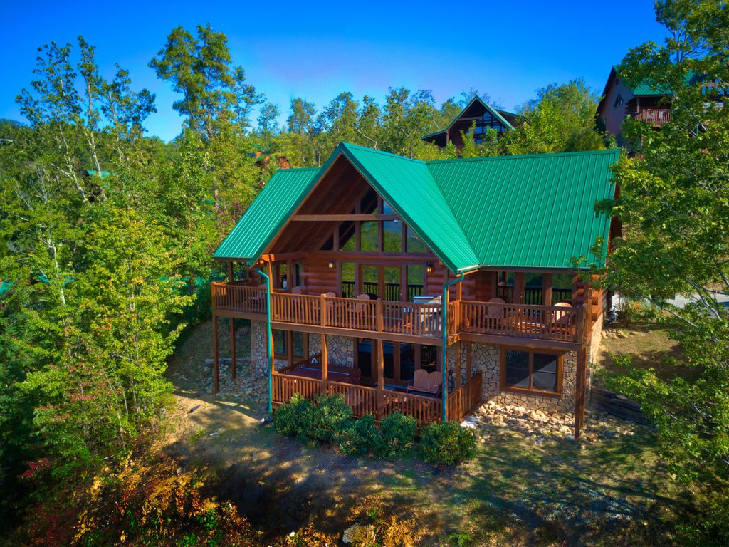 Summit Lodge 5 Bedroom 5 Baths Sleeps 18 Breathtaking Mountain View Black Bear Falls