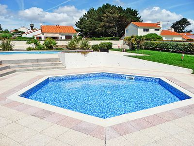 Photo for One bedroom Villa, sleeps 4 in Pornic with Pool