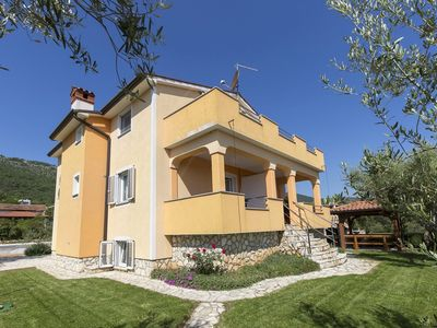 Photo for Apartment on the ground floor, a 15-minute drive from Labin and Rabac