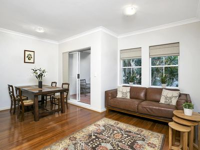 Photo for NS028 - Ultra Convenient 2Br w/Parking