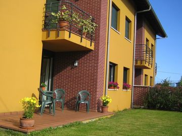 Comfortable Spacious Apartment in rural village - near to Coast and Mountains