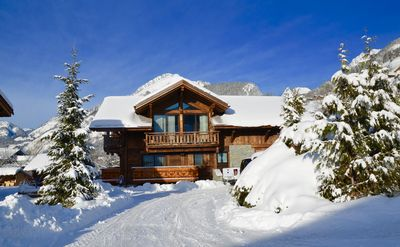 Photo for CHALET ROCHE ALPINE, Prestige chalet at the foot of the ski lifts - 20 p