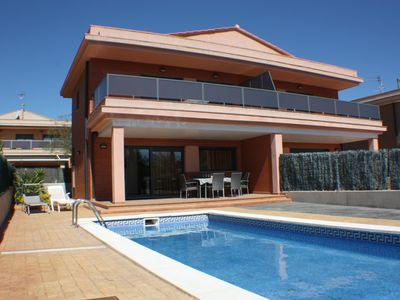 Photo for HOUSE WITH PRIVATE POOL IN FRONT OF THE BEACH AT 50 mt, SATELLITE TV AND FREE WIFI