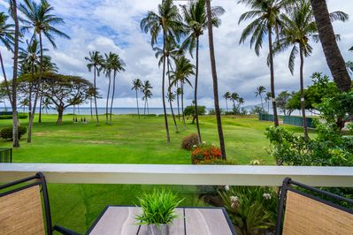 Enjoy tropical ocean and sunset views from the lanai!