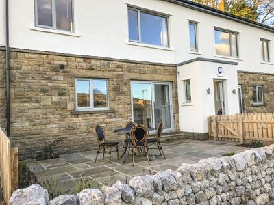 Photo for 2 ORCHARD LEIGH, pet friendly in Austwick  , Ref 961339
