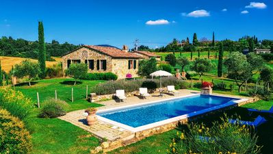 Photo for Montalcino: Private villa in the heart of Tuscany with private pool, free wi-fi