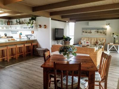 Open kitchen with loungeroom - air conditioning- heating , TV ,Netflix and Wifi