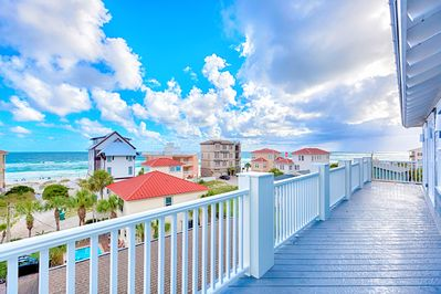 Beautiful Views of Beach and Gulf from The 2nd and 3rd Floor Balcony