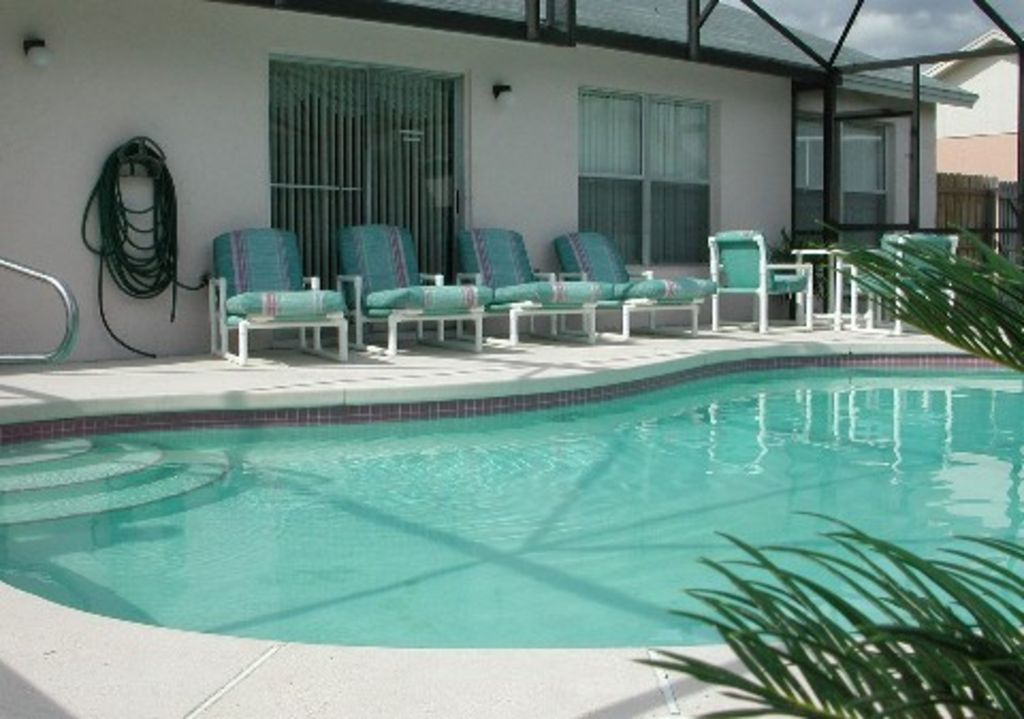Poolside Bed 4 bed villa with secluded pool nr disney - homeaway greater groves