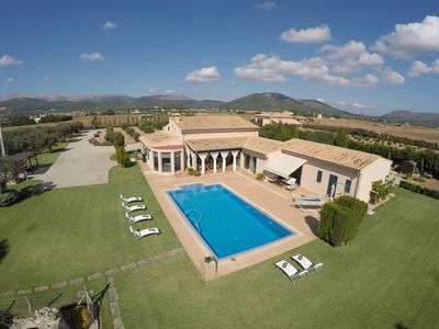 Photo for Countryside villa for 6 with pool, airconditioning and wifi