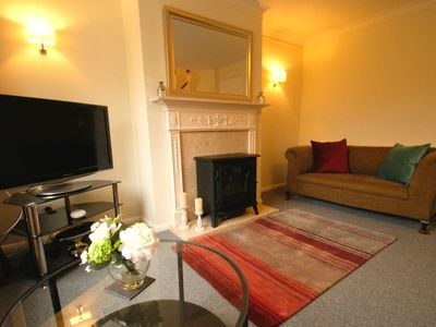 Photo for Cheltenham 2 bed central townhouse with parking