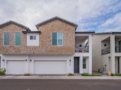 Photo for Central Phoenix & Arcadia GATED Modern NEW BUILT 3 bedroom 2.5 bath Townhouse