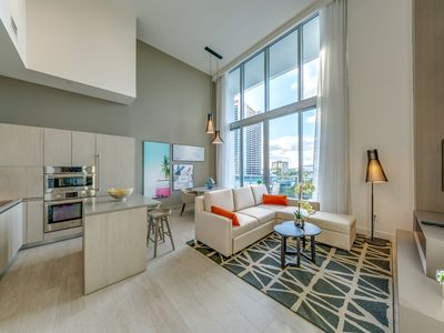 Photo for New 2019 Unbelievable! DoubleHeight Water Front Luxury Retreat