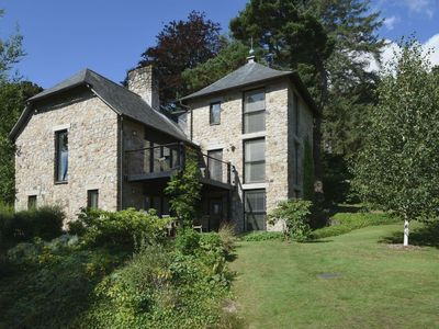 Photo for FINGLE TOR, pet friendly, with pool in North Bovey, Ref 975838