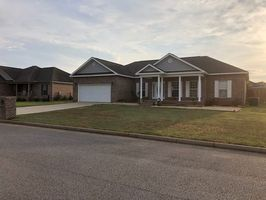 Photo for 3BR House Vacation Rental in Daleville, Alabama