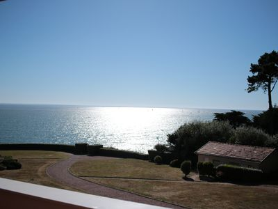 Photo for Sea view apartment with direct access to the beach