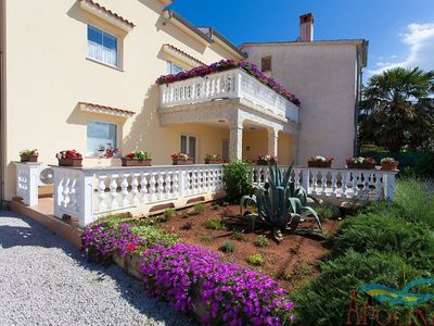 Photo for Spacious house apartment with covered terrace !