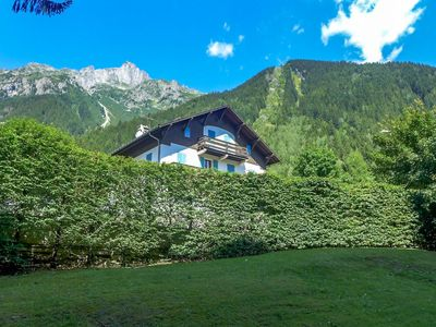Photo for Apartment in the center of Chamonix with Lift, Parking, Internet, Washing machine (696114)