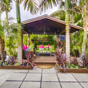 Balinese Hut - Outside living space - your personal resort