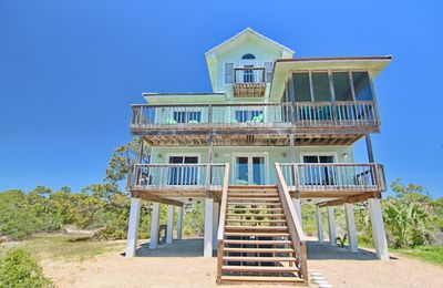 Photo for Fresh Remodel (2019) and great stargazing! Beach view Plantationhome with Screen Porch, Wi-Fi, and Beach Gear