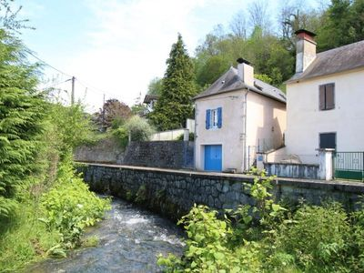 Photo for Gite LURBE SAINT CHRISTAU, 2 bedrooms, 5 persons