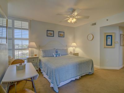 Photo for Studio space near the beach - shared pool, gym & grill!