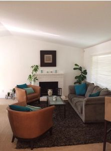 Living Room - NOW with TV!!