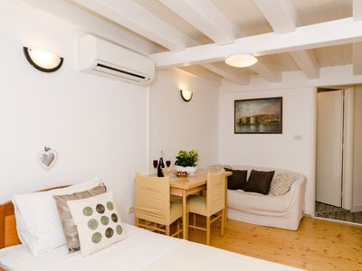 Photo for Studio apartment in the center of Dubrovnik with Internet, Air conditioning (993005)