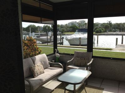 Ground level lanai; sit and watch the boats; water is 10 feet away