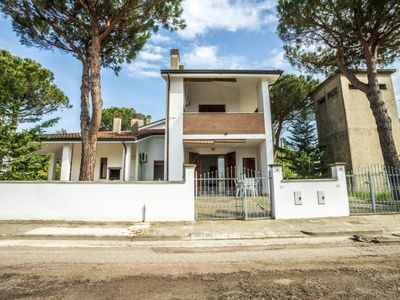 Photo for 1BR Villa Vacation Rental in Lido di Volano