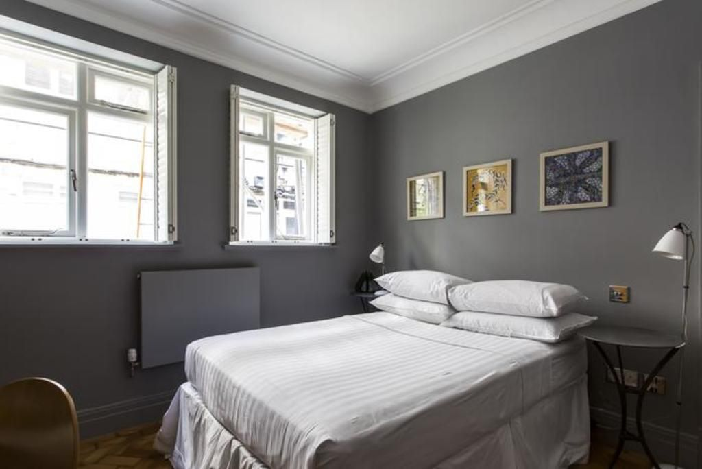 London Home 334, How to Rent Your Own Private Luxury Holiday Home in London - Studio Villa, Sleeps 4
