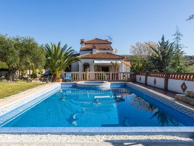 Photo for Pearceful Villa, Stunning, private, family, luxury equipment, relax