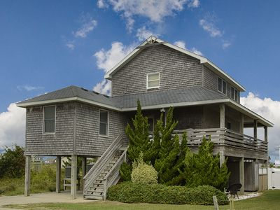 Photo for Marlin Manor: Oceanside, 5 bedrooms, private pool and hot tub, pet friendly.