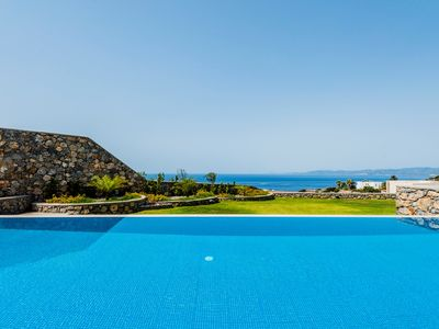Photo for 4 bedrooms 2, with en suite 2 suites sea view villa close to Pefkos