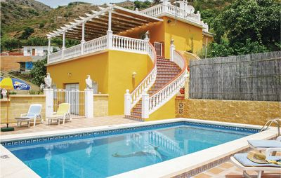 Photo for Stylish holiday home with views of the sea
