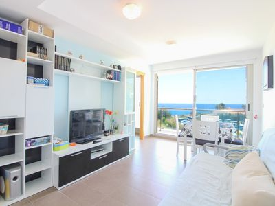 Photo for Apartment with sea views and pool. BOR 4112